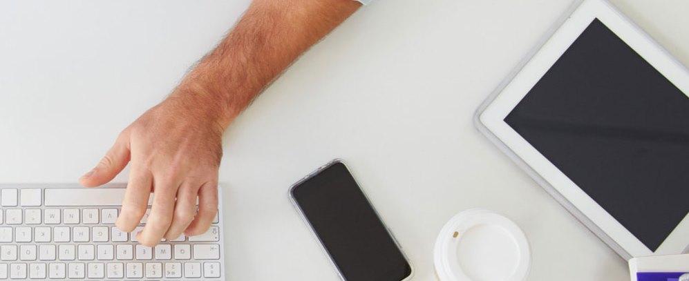 Számítógépen, mobiltelefonon, és tableten is működő felület